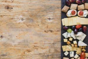 לשחק עם מגוון: מגשי אירוח מלוחים